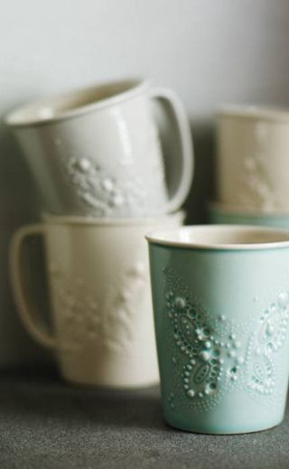 Tulikivi Kermansavi mugs designed by Paola Suhonen. http://www.ivanahelsinki.com/projects/ivana-helsinki-design-for-tulikivi/
