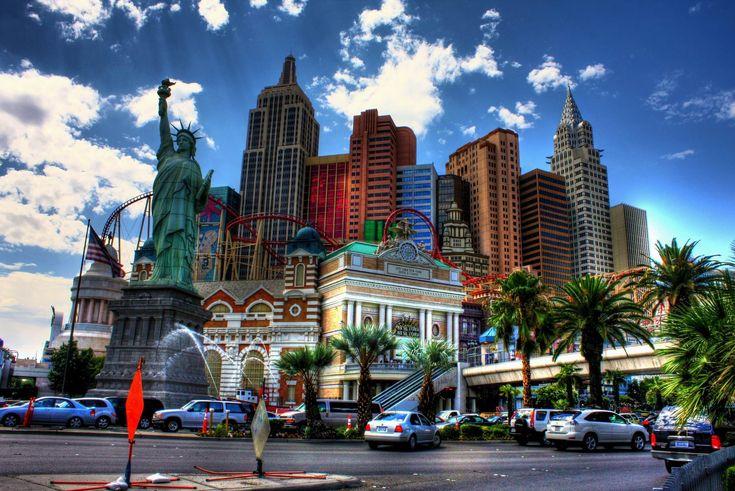 Лас Вегас - город мечты, город желаний и всех человеческих пороков. Лас-Вегас является одним из крупнейших мировых центров развлечений и игорного бизнеса. Многочисленные казино, отели, ежедневные концерты и шоу притягивают туристов со всего мира. Всего на территории Лас-Вегаса сосредоточено более восьмидесяти казино, несколько тысяч игровых павильонов, множество фешенебельных отелей.