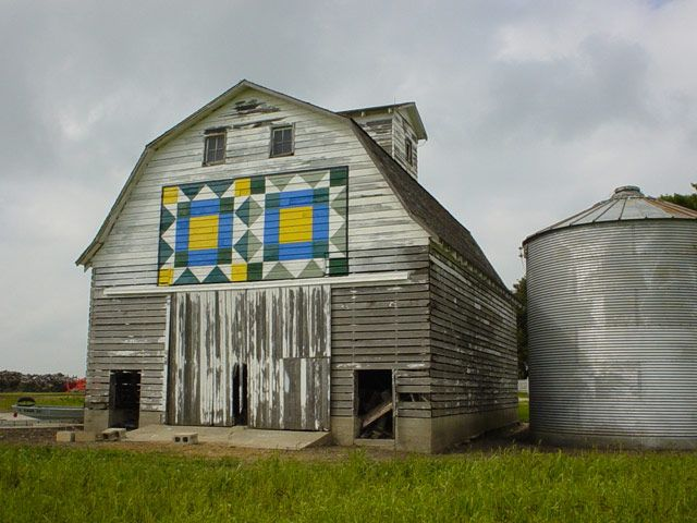 old barn with weathervane quilt block: Quilts Patterns, Quilts Barns, Fabulous Ideas, Weathervan Quilts, Quilts Blocks, Barns Quilts Squares, Barn Quilts, Quilt Blocks, Old Barns
