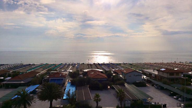 """Appartamenti in vendita in versilia, lido di camaiore, vista mare. Panoramic - """"living on the beach!"""" #finedil #finedilspa #seaview #immobiliare #realestate #lifestyle #luxury #italy #tuscany #versilia #toscana #apartments #casa #viaggiare #viaggi #mare #beach"""