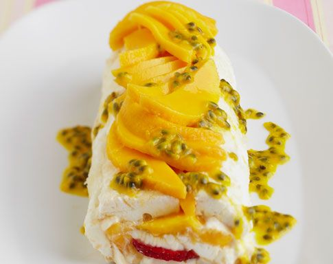What a good looking dessert! Mango and Strawberry Pavlova Roll. Recipe by celebrity chef Pete Evans is available here - http://www.mangoes.net.au/enjoy/entertaining.aspx