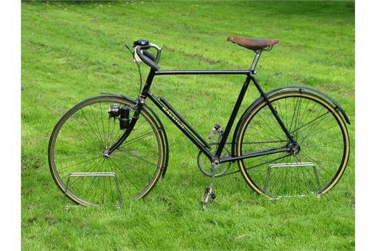 *A circa 1931 Raleigh Record. A forerunner of the Record Ace, a lower frame model with a number