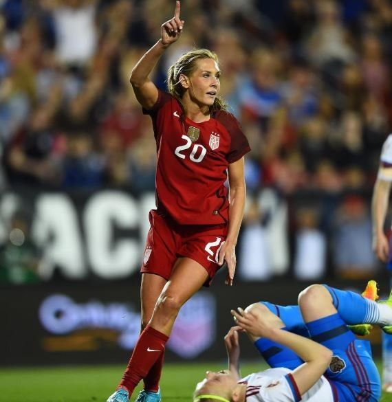 Pin By Samantha On Allie Long 20 Usa Soccer Team Fitness Body Uswnt