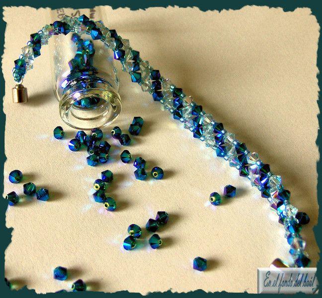 Pulsera Trío - Tupis de cristal Swarovski en tonos azules con delicas Miyuki azulonas y cierre imantado.