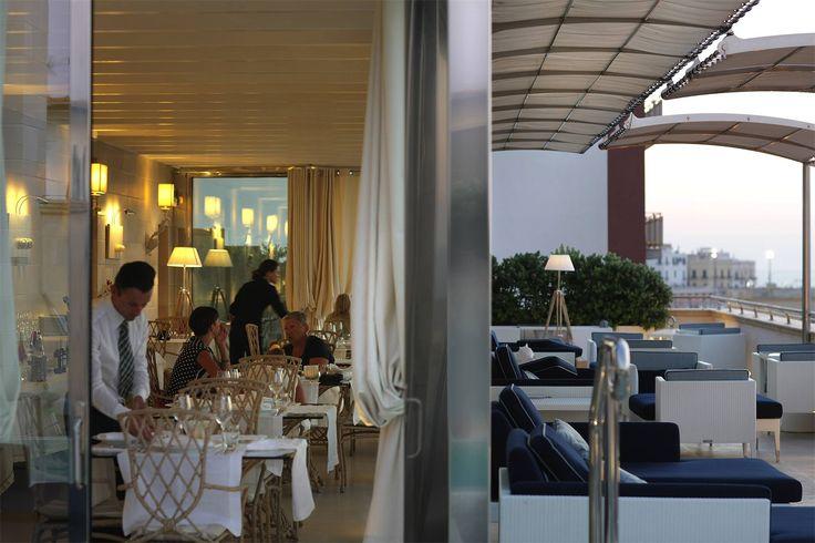 #weareinsalento #dolcevita #palazzodelcorso #gallipoli Siamo tra due cuori.... ci disponiamo all'interno o all'esterno?