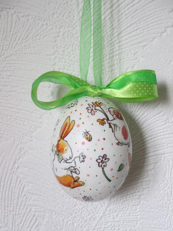 jajko styropianowe, serwetka, farby akrylowe
