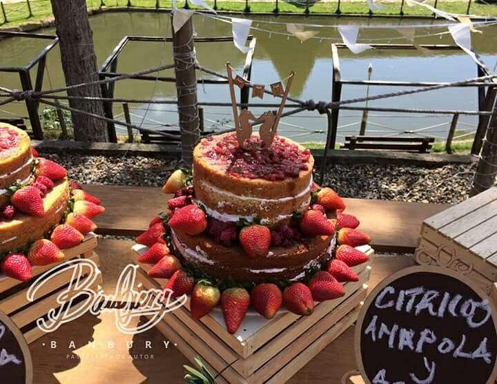 Naked cake de cítricos con amapola y agraz para un matrimonio en Socorro-Santander