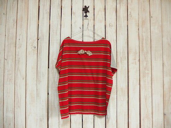 どっちも前に着れるTシャツです!ボートネックで肩からキャミソールがちょっと見える感じがかわいいです。洗濯の際は、リボンを外し、ネットを使用し、平干しまたはポー...|ハンドメイド、手作り、手仕事品の通販・販売・購入ならCreema。