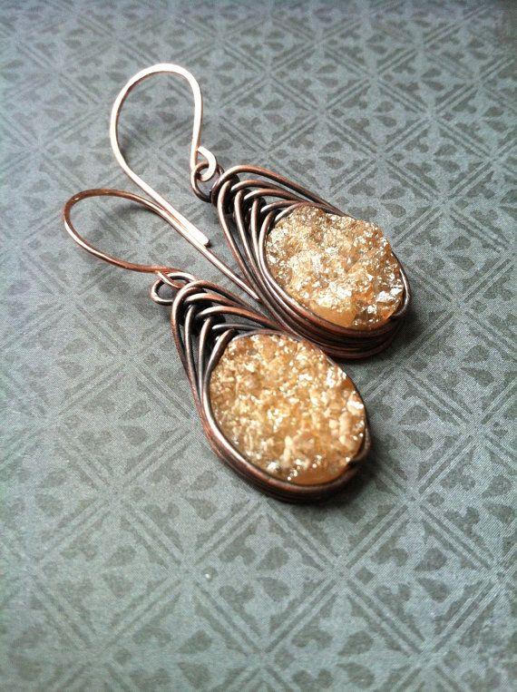 Rauwe Druzy oorbellen Wire Wrap oorbellen Drusy Dangle Earrings rustieke sieraden A spel van tronen Daniellerosebean Gemstone Drop Oorbellen