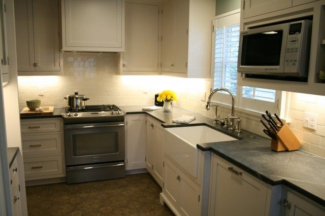 Beautiful Small Efficient Kitchen With Creamy White Shaker Cabinets Just Kitchens