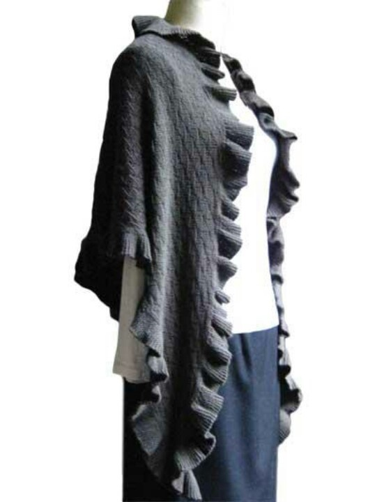 Poncho Sew : Ponchos,capes, and shawls Pinterest Ponchos, Shawl and Kni...