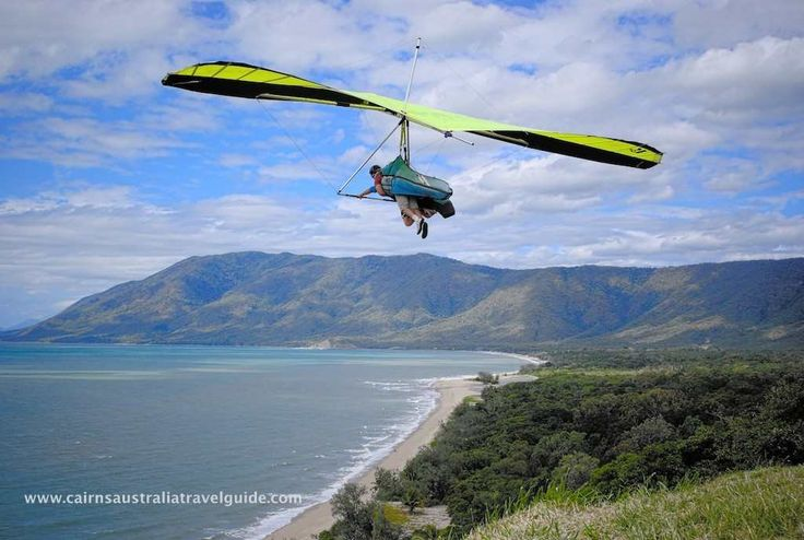 Hang gliding at Rex Lookout between Cairns and Port Douglas