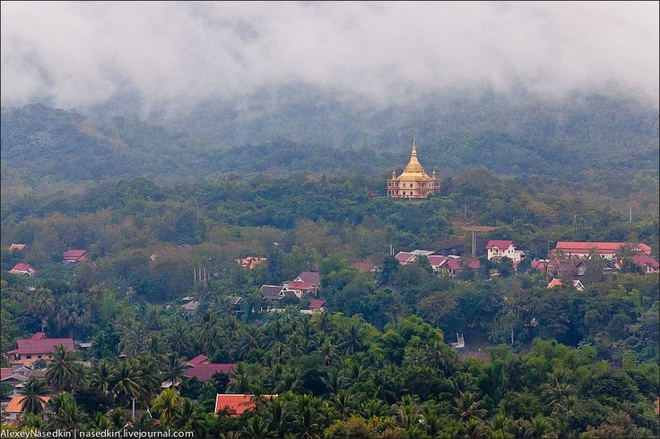 Луанг-Прабанг - город, погружённый в медитацию. Лаос