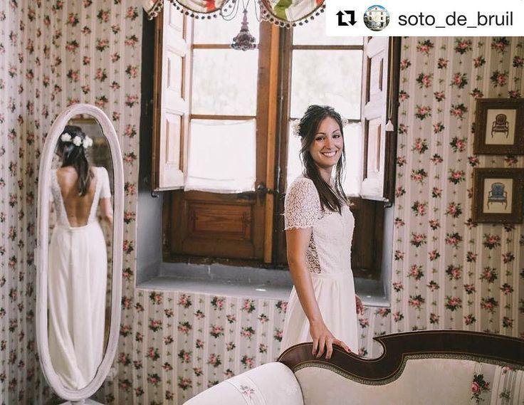 Preciosa Cristina ❤️ Gracias @balcondealicia  por recomendarnos 😘 #noviaprincesa  #Repost @soto_de_bruil ・・・ Este es nuestro cuarto exclusivo para la Novia, y que Cristina utilizó para prepararse en el día de su boda. Foto: @sarafrost  Vestido: @lauredesagazan Maquillaje y peluquería: @evapellejero  #sotodebruil #finca #fincabodas #fincaszaragoza #fincasbonitas #love #wedding #novia #bride #boda #eventoszaragoza #cuartodelanovia #happiness #weddingday #igerszgz #igersaragon #flowers…