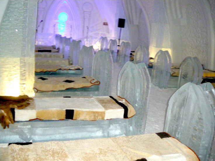 L'Hôtel de Glace de Québec. L'endroit de prédilection pour mettre en valeur les produits de fourrure 100% québécois de Fourrures Grenier - Quebec City's Hotel de Glace (Ice Hotel) is the best place to showcase Fourrures Grenier's fur products, all of them 100% made in Quebec