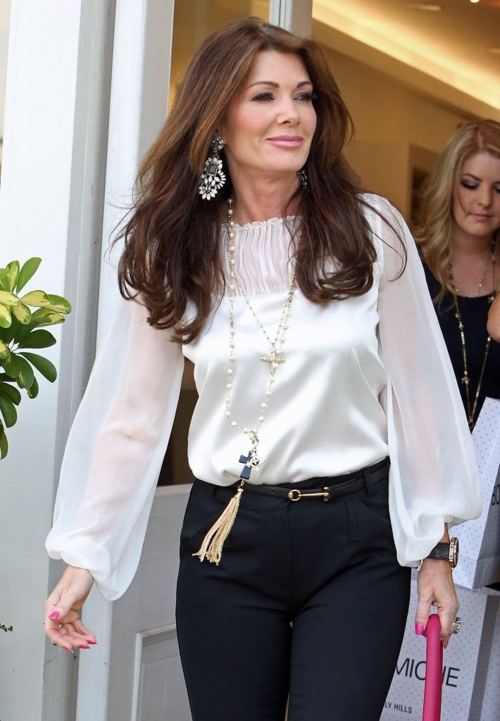 Lisa Vanderpump Photos: Lisa Vanderpump Shops with Friends in Beverly Hills