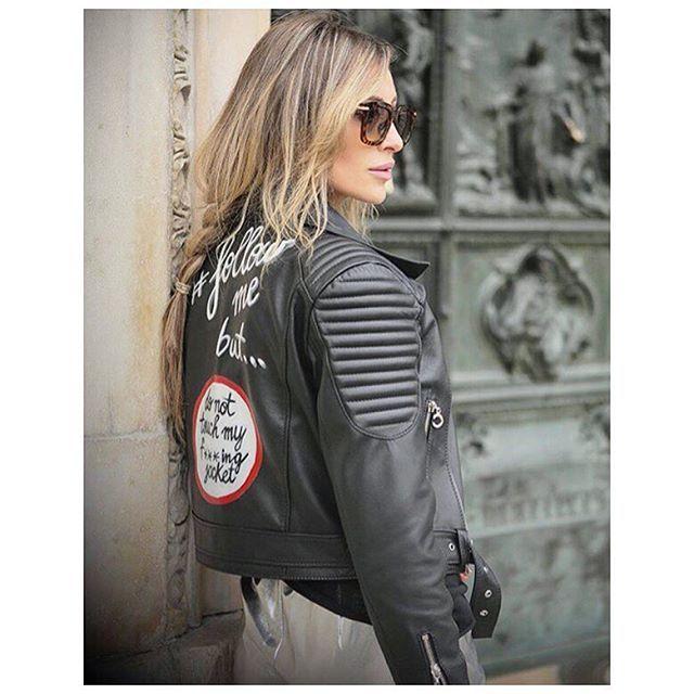 Beautiful @ioanachisiu wearing @conceptoline leather #jacket ❤️✌️ #mfw16 #ioanachisiu #fashionblogger #streetstyle #chic #trend #musthave #brand #concepto #conceptoline