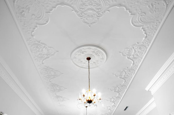 Large ceiling using AP2a & AP2b ceiling panels with A81 plaster cornice