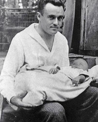 Сергей Королев с дочерью Наташей.