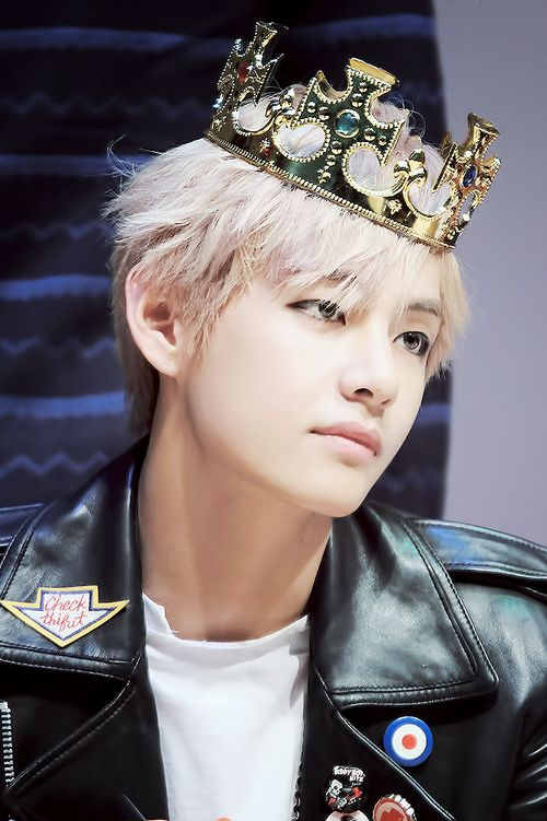 Bangtan Boys ❤ Taehyung (v) | tumblr                                                                                                                                                                                 Plus