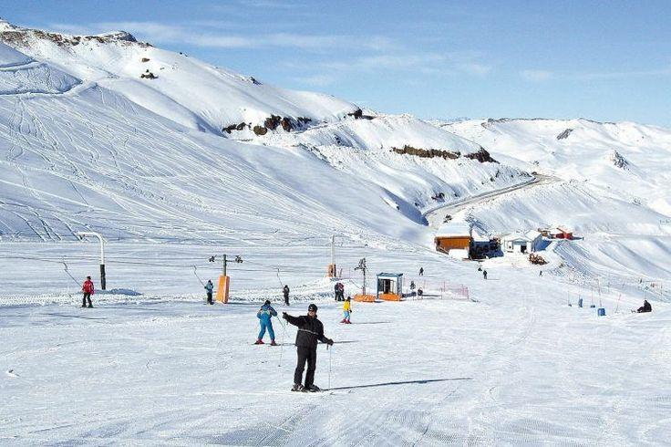 Esquiadores em Valle Nevado, Chile