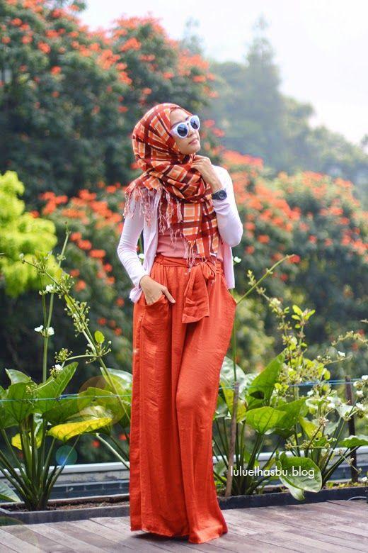 Lulu Elhasbu, Indonesian fashion designer.