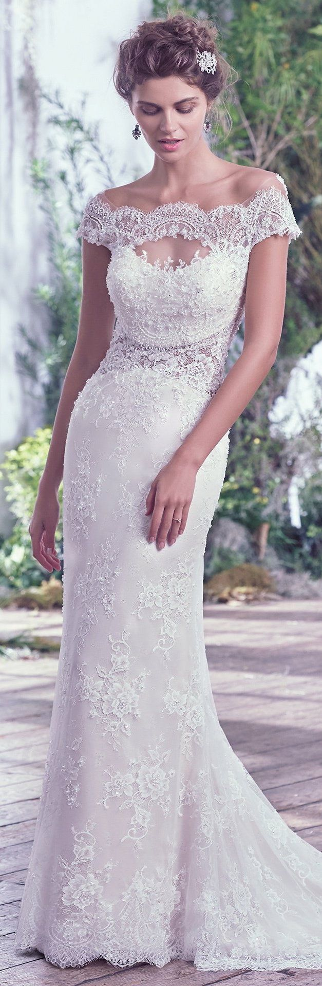 Wedding Dress by Maggie Sottero 2016 Fall/Winter Collection - Sipriana | #maggiesottero #maggiebride