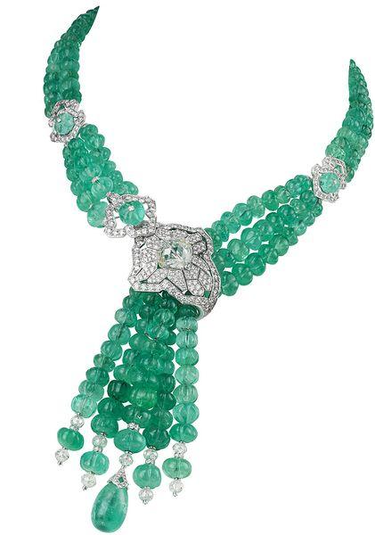 Колье Seria от Cartier:  450 бриллиантов, колумбийские изумруды и 254 жемчужины