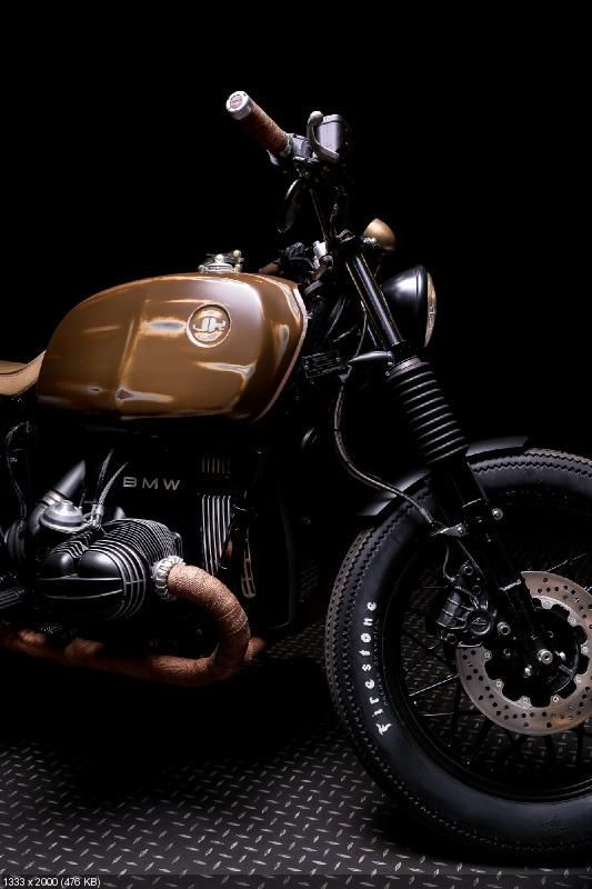 Custom Motorcycle BMW R65 Tyre and engine