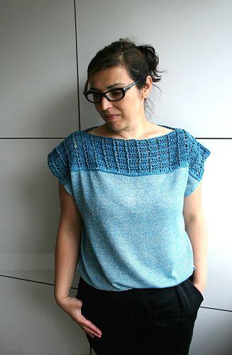 Crochet and fabric t-shirt tunic, crochet pattern #crochetpattern #crochettop