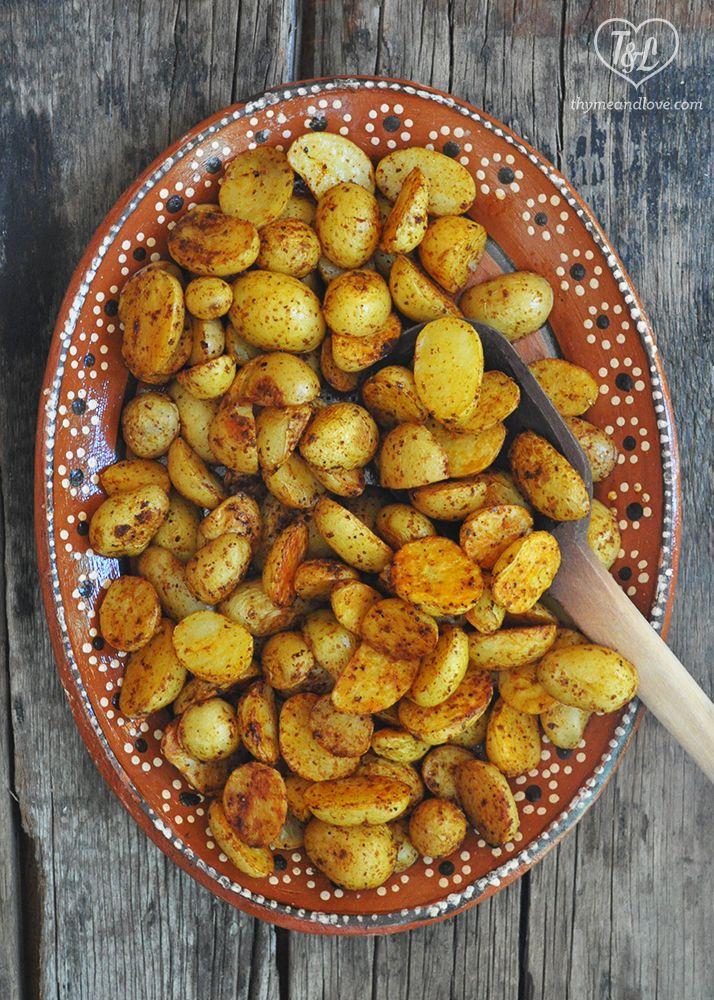 Chili Roasted Potatoes are a quick + easy side dish with lots of flavor. Perfect side dish to any Southwestern/Mexican dinner or for brunch!