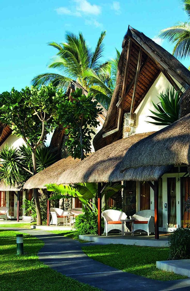 La Pirogue Hotel room. Mauritius  Stone & Living - Immobilier de prestige - Résidentiel & Investissement // Stone & Living - Prestige estate agency - Residential & Investment www.stoneandliving.com