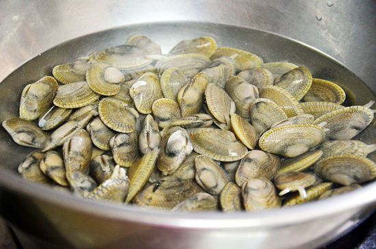 How to Steam Clams: 6 Steps - wikiHow