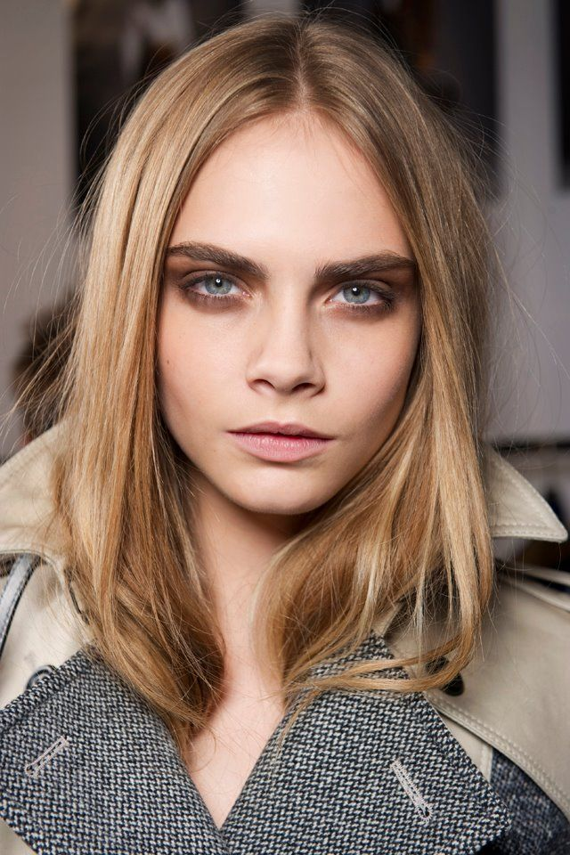 I'm up with natural, sleek and effortless hair look for this Autumn. Easy, quick and goes perfectly with all makeup looks and cosy coats. Burberry Autumn/Winter 2013 - Cara Delevigne. #HairToFallFor