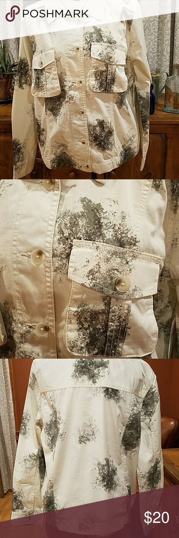 Abound jacket NWT lightweight Jean style jacket. Off white with scattered green camo print. Elastic gather at sides Abound Jackets & Coats Jean Jackets