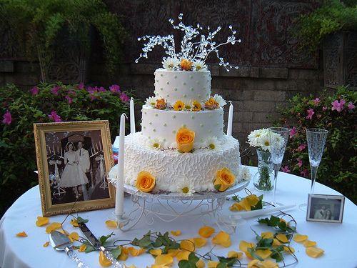 Golden Wedding Anniversary Gifts Ideas: 1000+ Ideas About 35th Wedding Anniversary On Pinterest