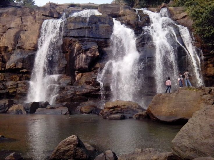 Ranchi has a potential for rapid growth in tourism sector, provided the government is a bit more pro-active. Hundru Falls' one of the most picturesque falls surrounding Ranchi.It is 45 kms from Ranchi on Ranchi-Purulia Road..