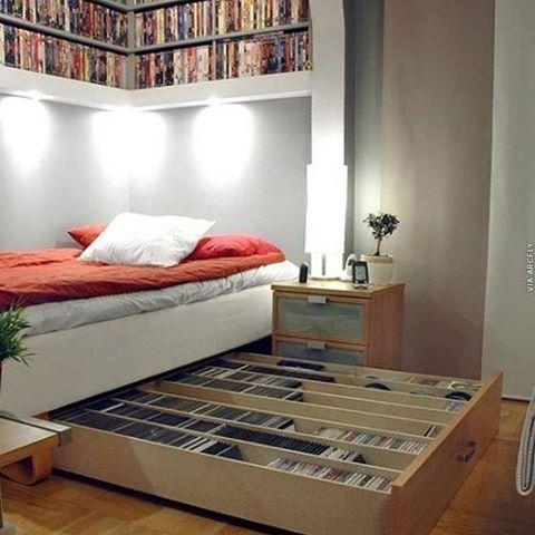 Para os amantes de CDs...uma dica para guardar a coleção...《Pic não Autoral》📌😁 #dica #ideias #projeto #colecao #cd #bedroom #decor #design #marcenaria #arq #night #idea #greatidea #architecture #arch #loveit #instalike #arqlovers #instacool #amazing #bed #organizacao #organize #interiores