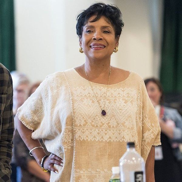 """Gefällt 700 Mal, 21 Kommentare - Phylicia Rashad Fanpage (@phylicia_rashadfanpage) auf Instagram: """"#flashforwardfriday #fridaynews Rehearsals for @octarell_again play Head of Passes are underway at…"""""""