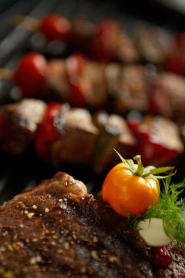Broiling steak kabobs in the oven provides a different option for cooking the skewered meat and veggies if the weather discourages the use of a grill. Kabobs allow you to cook...