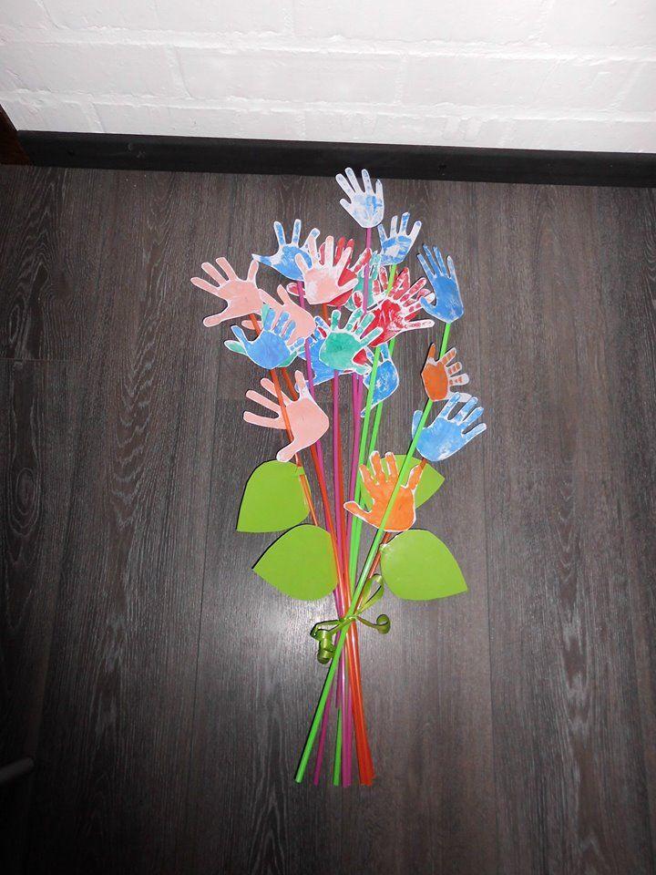 bloemen van handen... afscheidscadeau