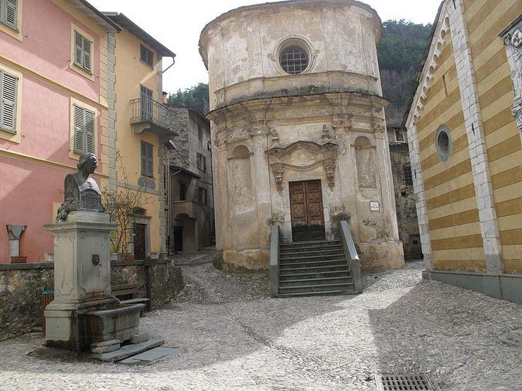 Chapelle de l'Annonciation ou des Penitent Blancs. La Brigue.  Alpes-Maritimes