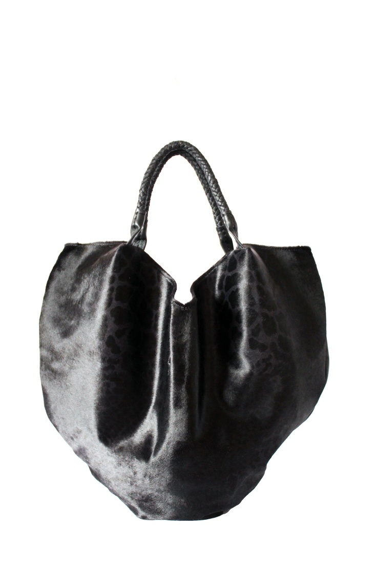 Hobo bag in italian leather By Paulina Botero