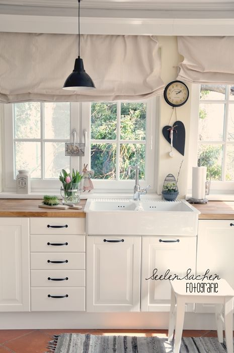 lovely white kitchen