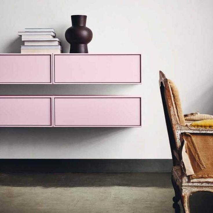 pink Montana shelves on light grey walls - like!