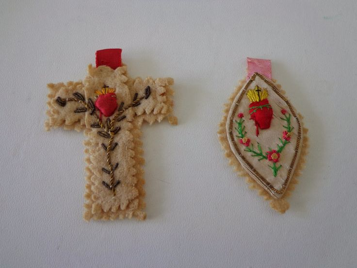 Antiguinho: sagrado coração de jesus em bordado