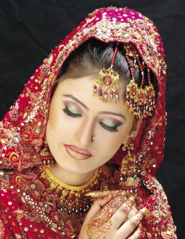 How To Do Asian Bridal Makeup (Wedding Make-Up  Indian bridal eye makeup tips,Pakistani bridal eye makeup video,Indian bridal eye makeup for small eyes,Pakistani bridal eye makeup pictures,Indian bridal makeup