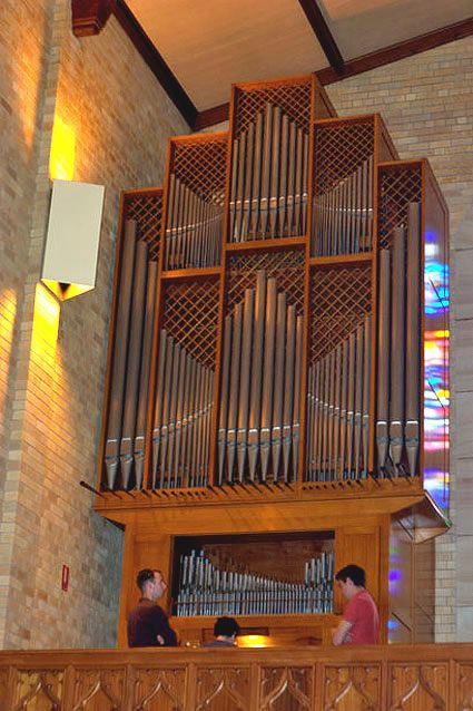 Knox Grammar School, Sharp Organ