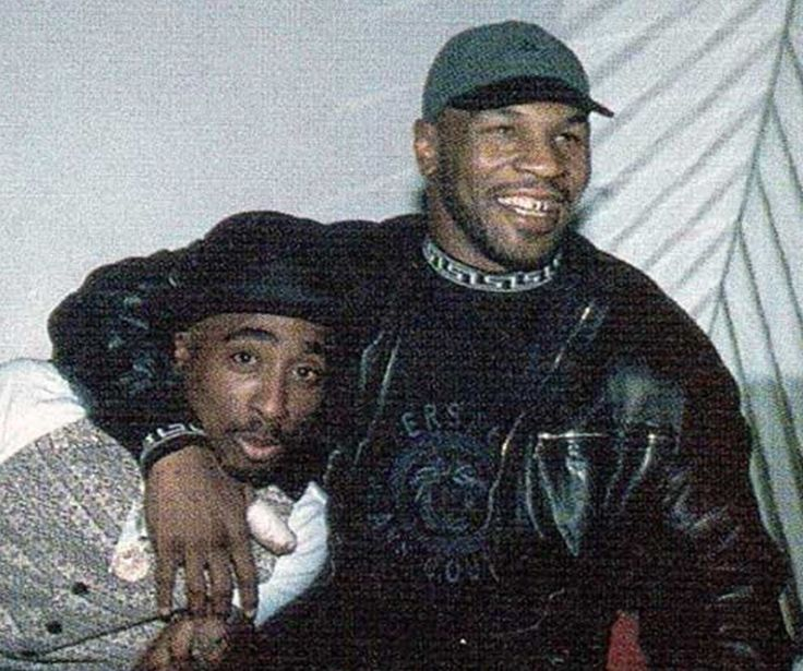 ♡♥Mike Tyson smiles with Tupac - click on pic to see a larger pic♥♡
