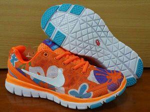 Detail Sepatu Olahraga: Merek : Nike Free 5.0 Flower Orange Putih Color: orange putih Code : Nike Free 5.0 Flower Orange Putih Size : 37 s.d 40 Informasi stok langsung chat admin di diskusi produk atau langsung hubunngi kami di pin 7969C733 Wa 0822 8119 9885 Call / Sms 0857 6685 9601
